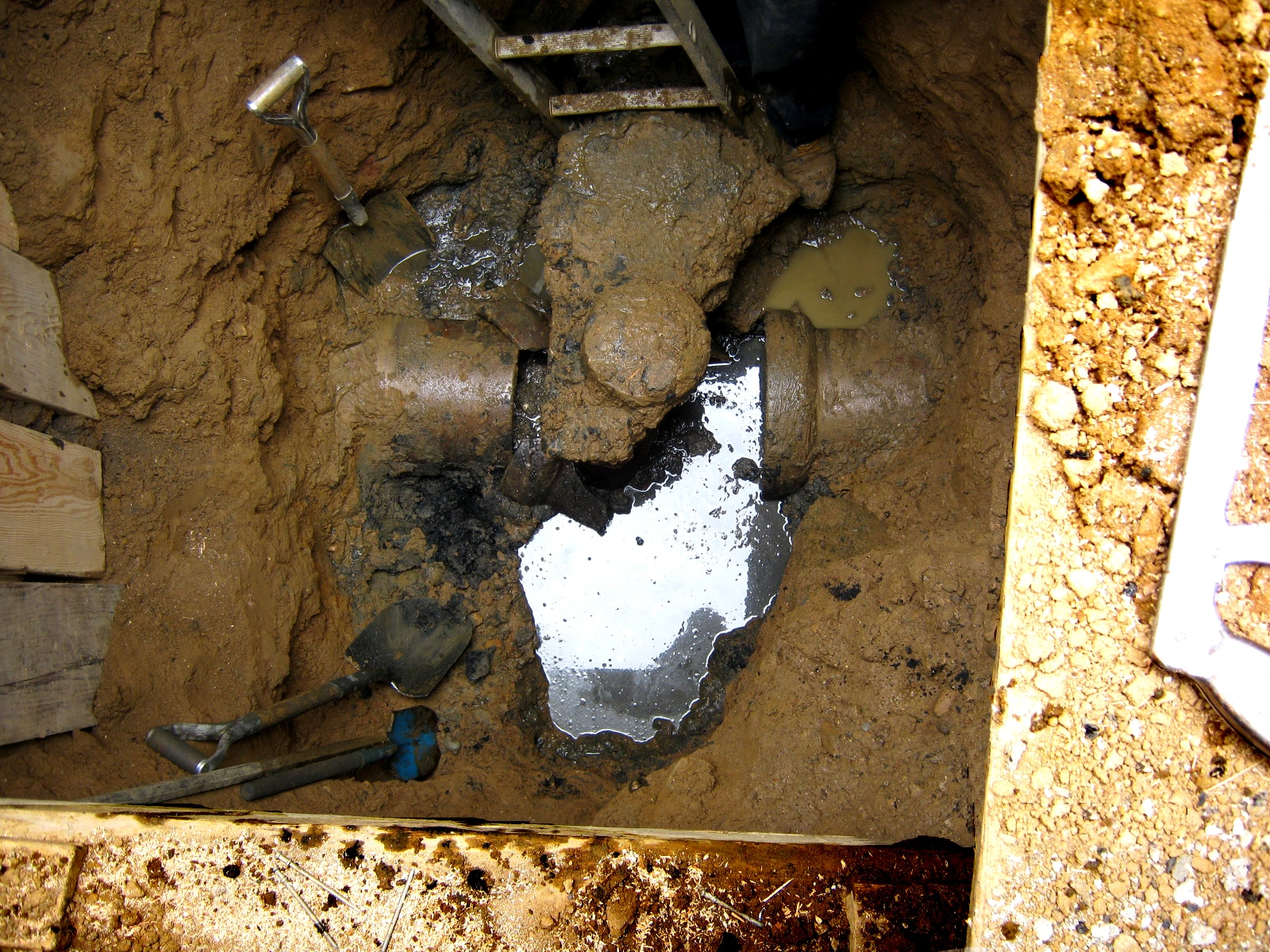 Helpful Broken Sewer Pipe Repair Facts And Information