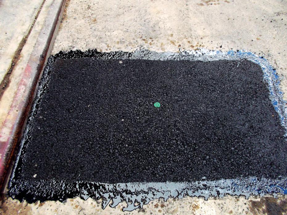 hot asphalt paving