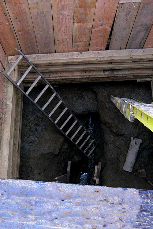 safe sewer repair pit